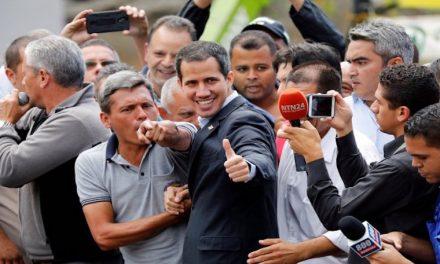 Guaidó llegó a frontera con Colombia y espera caravana de diputados