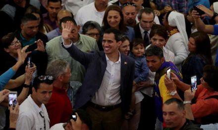 """Guaidó respondió a Elvis Amoroso: """"No vivo de la política. Esas amenazas no me intimidan"""""""