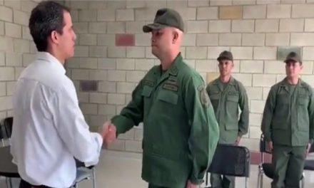 ¿A qué se enfrentan los militares venezolanos que desconocieron a Maduro?