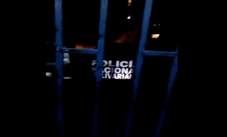 """Policías borrachos amenazaron con llamar a colectivos si no les """"fiaban"""" los tragos"""