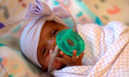 El sorprendente caso de la bebé que nació con 245 gramos y logró sobrevivir
