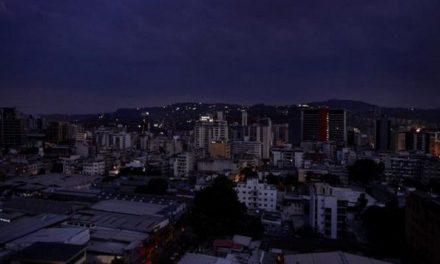 Más de doce entidades quedaron sin servicio de energía eléctrica en el país