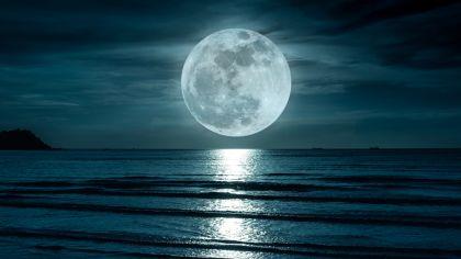 La Luna: Cada vez más arrugada y pequeña como una pasa
