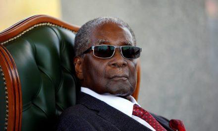 Mugabe, hiperinflación y controles de precios
