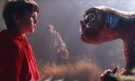 ¡E. T. y Elliot se reencuentran en Navidad!