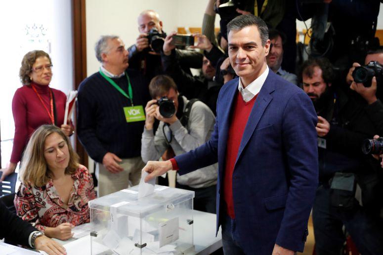Sánchez gana en España y derecha gana espacios