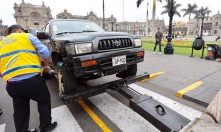 La reglamentación del uso de los puestos de estacionamientos por parte de la junta de condominio