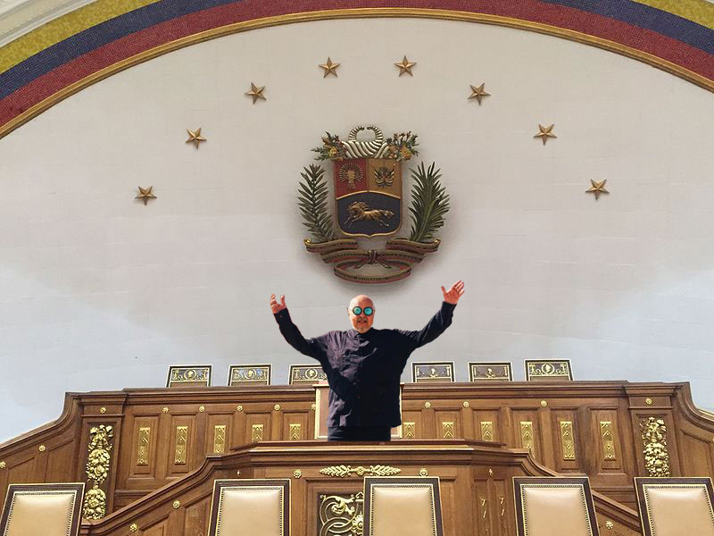 Claudio Nazoa respeto al Palacio Federal Legislativo