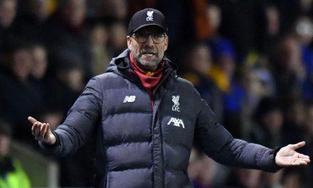 Klopp se 'rebela' contra la FA: «Mi segundo dirigirá el 'replay' y jugarán los canteranos»