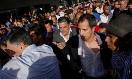 La Venezuela dictadora mostró su violencia entre golpes y barreras