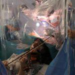 Violinista tocó durante operación en su cerebro, para no perder su talento