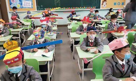 China: Sombreros de un metro de diámetro para el distanciamiento social