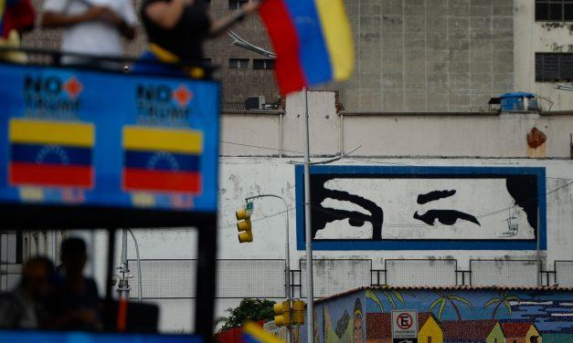 """La historia contada por la """"revolución"""""""