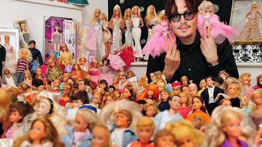 Jhony Deep y su muñecofilia: Jack Sparrow colecciona Barbies afamadas