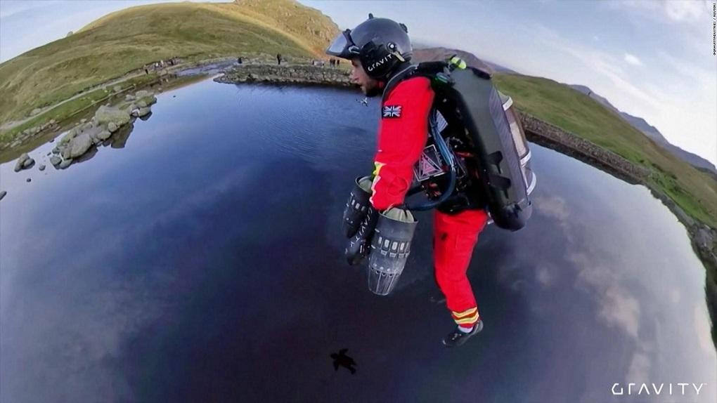 Reino Unido: El jet suit de rescate tendría un valor de casi 500 mil dólares
