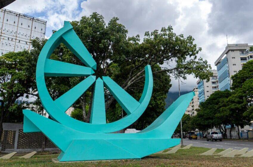 """Escultura """"Mira de Alta Mar"""""""