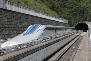 """China: el sorprendente tren de levitación magnética """"maglev"""""""