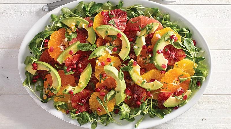 Prepara una deliciosa ensalada de aguacate y naranja