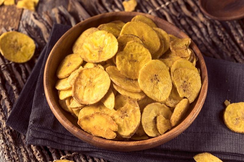 Chips de plátano: ricos y faciles de preparar con solo cuatro ingredientes