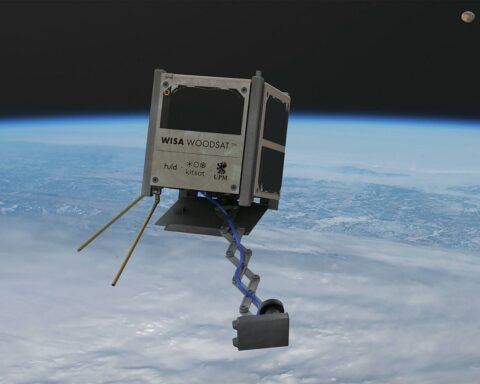 Finlandia lanzará a órbita el primer satélite de madera