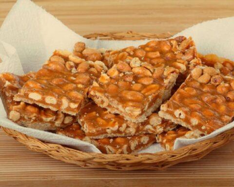 Palanqueta de maní delicioso postre para compartir en familia
