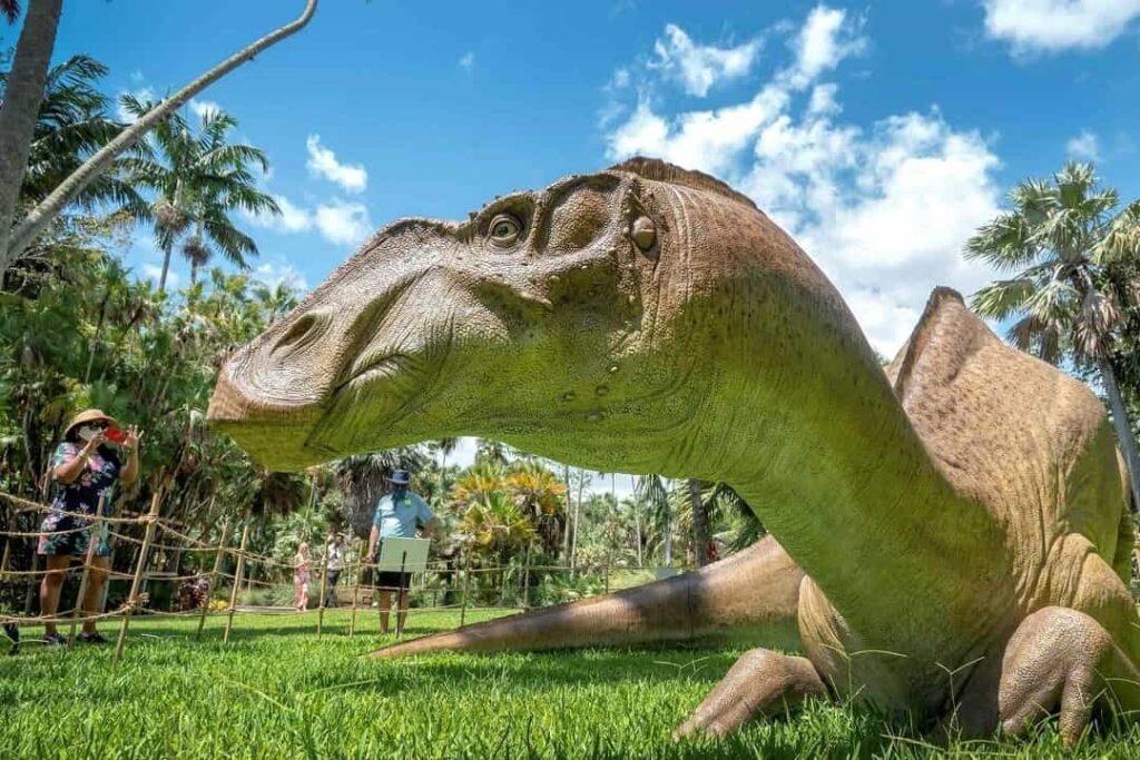 El Botánico Fairchild de Miami es un jardín jurásico poblado de dinosaurios