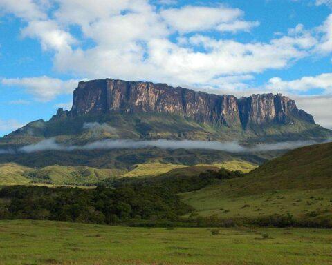 El 12 de junio de 1962 se crea el Parque Nacional Canaima