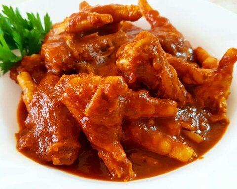 Patas de pollo en salsa: nutritiva y saludable receta