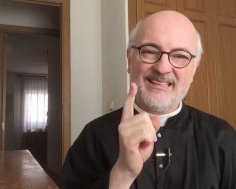 Mensaje Padre Fortea Cuba video