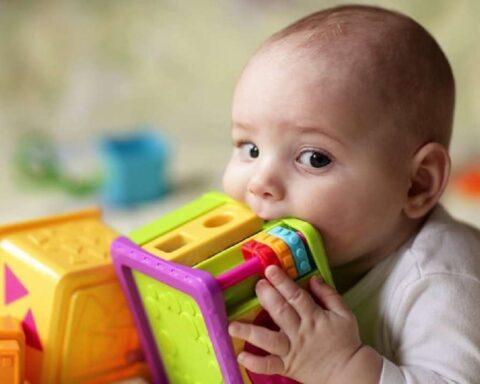 Comprobado: heces de bebé tienen más microplásticos que las de adulto