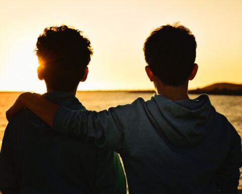 Efemérides 5 de septiembre: Día Mundial del Hermano