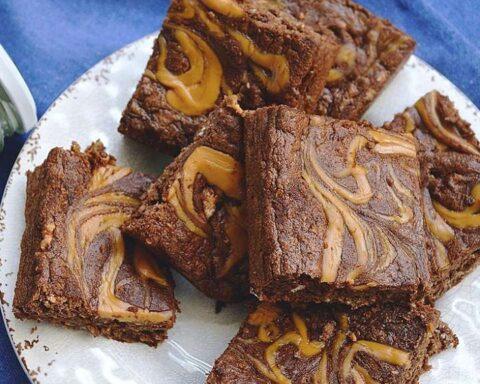 Brownie de cambur con mantequilla de maní: rico postre para merendar